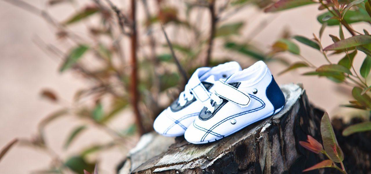 schoenen zwangerschap bekend maken